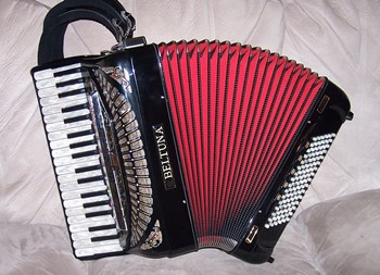 Beltuna Leader IV MIDI Amplified Accordion